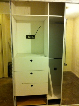 Bespoke fitted wardrobes & handmade drawers