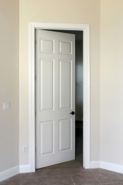 Hang interior door